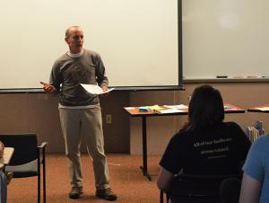 Lecturer Explores Impact of Consumer Waste